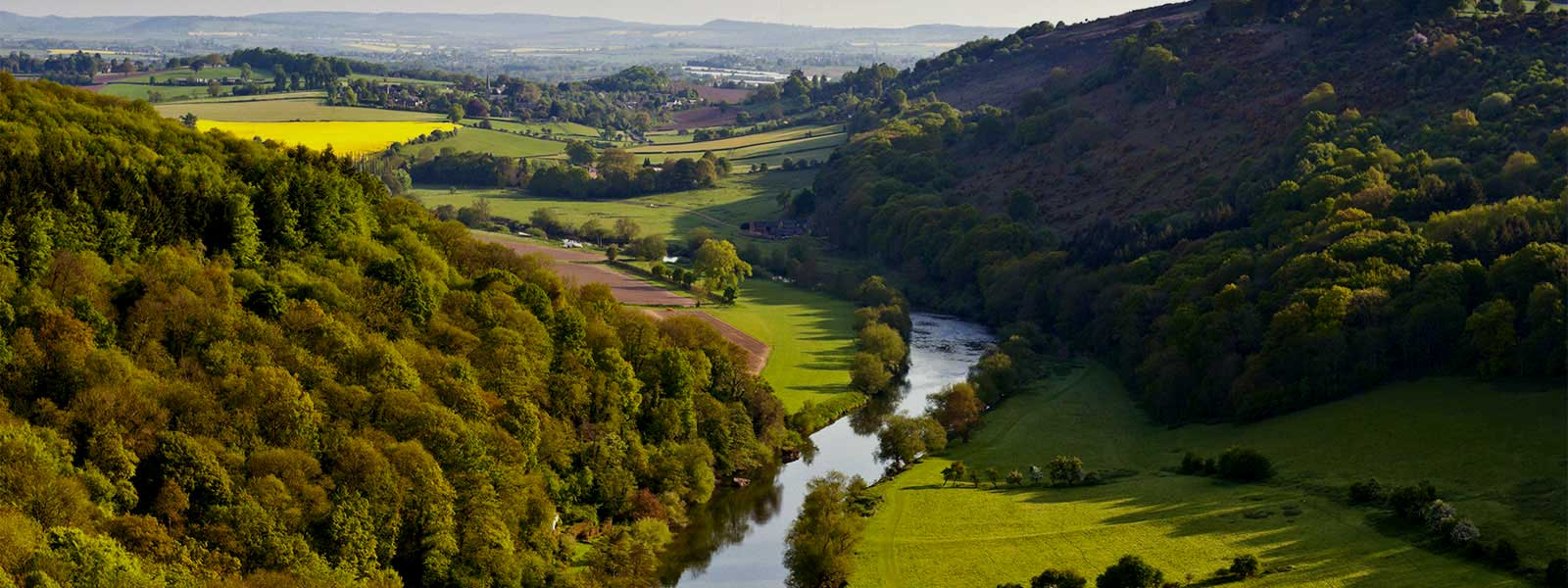 Self catering holiday cottages in the Wye Valley at Symonds Yat rock